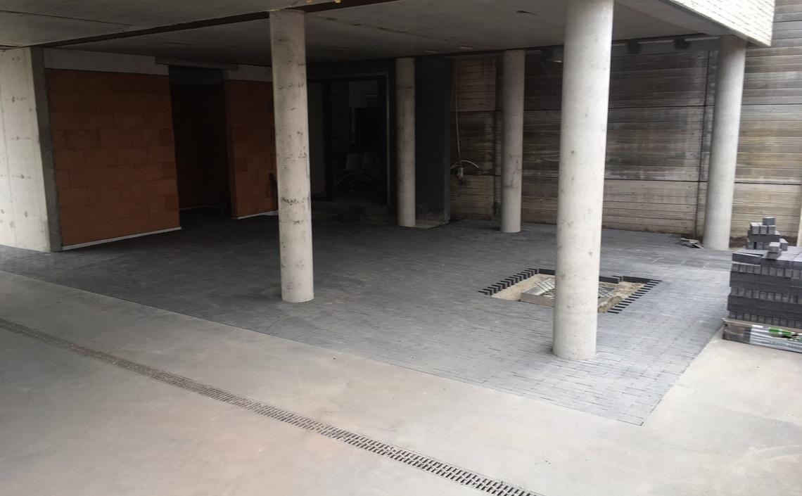 Omgevingsaanleg met betonklinkers